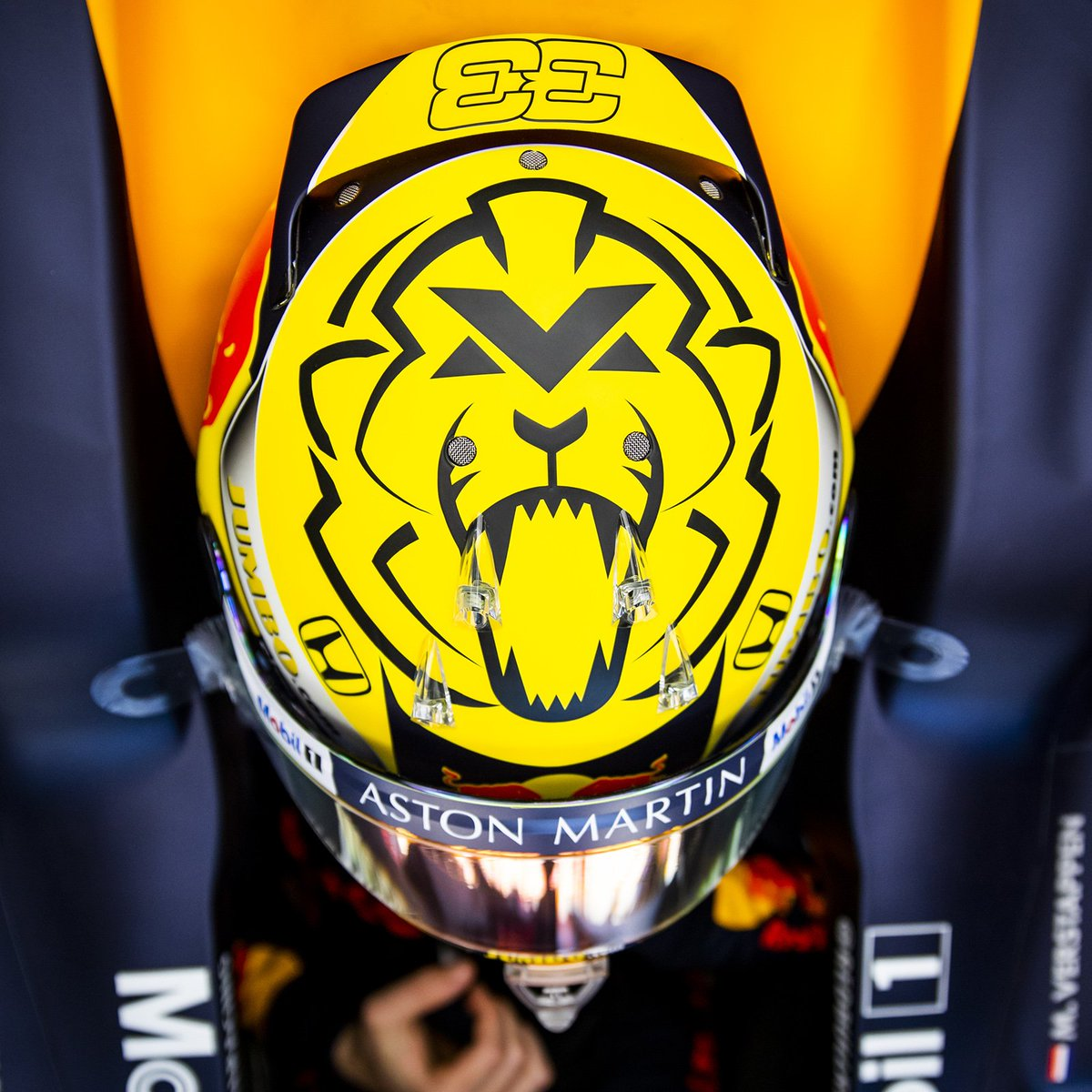 R A C E D A Y 💪🏻 Let's go for it! 🦁 #UnleashTheLion #OrangeArmy #AustrianGP 🇦🇹