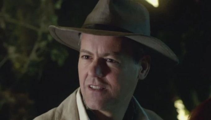 Happy Birthday to Rupert Graves who played Riddell in Dinosaurs on a Spaceship.