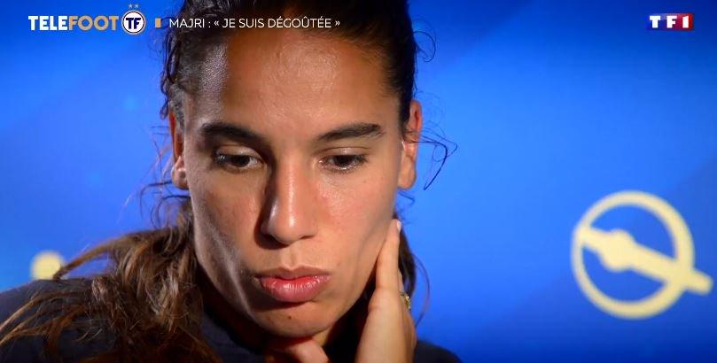 """.@AmelMajri7 : """"Je suis dégoûtée pour les Français, ils sont aussi tristes que nous""""."""