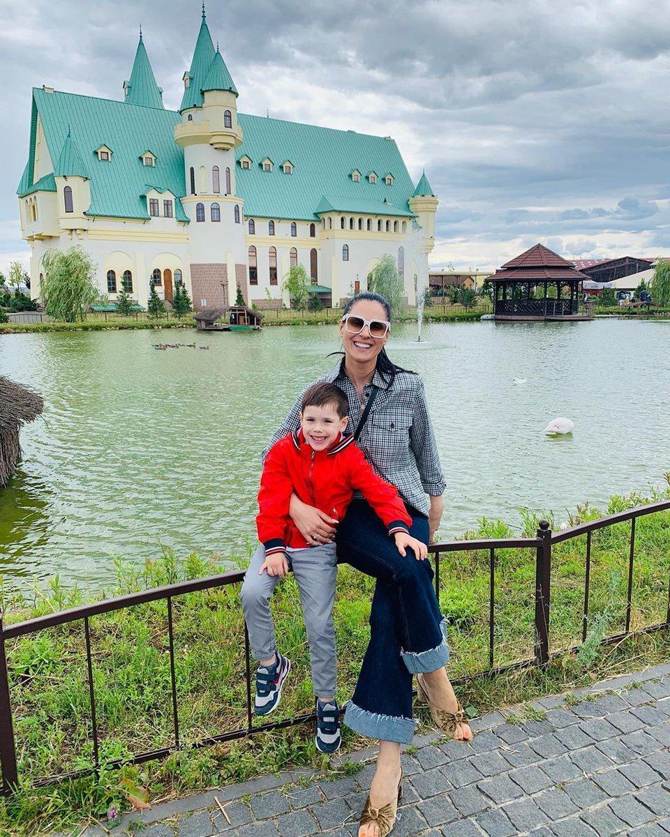 Маша Ефросинина с сыном Сашей