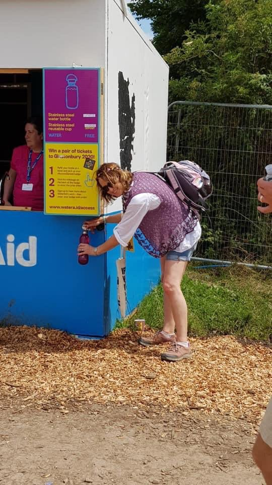 Such a great move that no #plastic drinks bottles are on sale at @glastofest & the #refill alternative is working. That's hundreds of thousands of plastic bottles saved &, let's hope, a sign that water refill everywhere will soon be the new normal. #waronplastic #glastonbury19