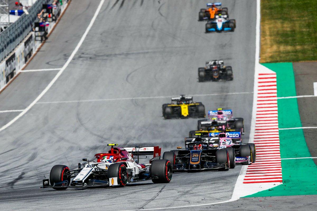 Q3 e punti sono un ritornello che suona davvero bene e che dovremmo ripetere ad ogni GP. Orgoglioso di noi!🎵🔥 . From any point of view this is my idea of a great gp. Q3, point, both the Alfa in the top ten 💥 #F1 #Formula1 #AustrianGP🇦🇹 #AG99🐝#tuttipazzipergiovinazzi