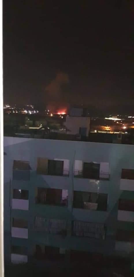 imagenes del momento del impacto de algunos misiles israelies en el perimetro de Damasco. @madeleintlSUR @ConexiontlSUR