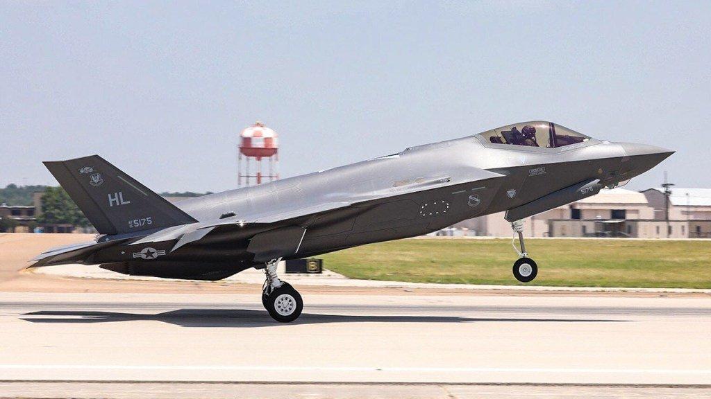 سويسرا تريد شراء مقاتلات جديده ........... D-VlkWtX4AEtsoU