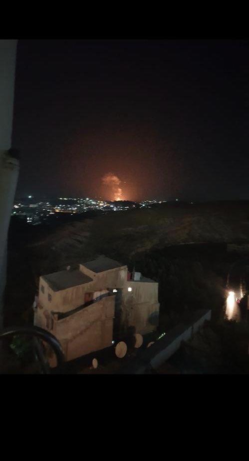الدفاعات الجوية السورية تتصدى لقصف بالصواريخ D-Vz-V0XsAEDYcK