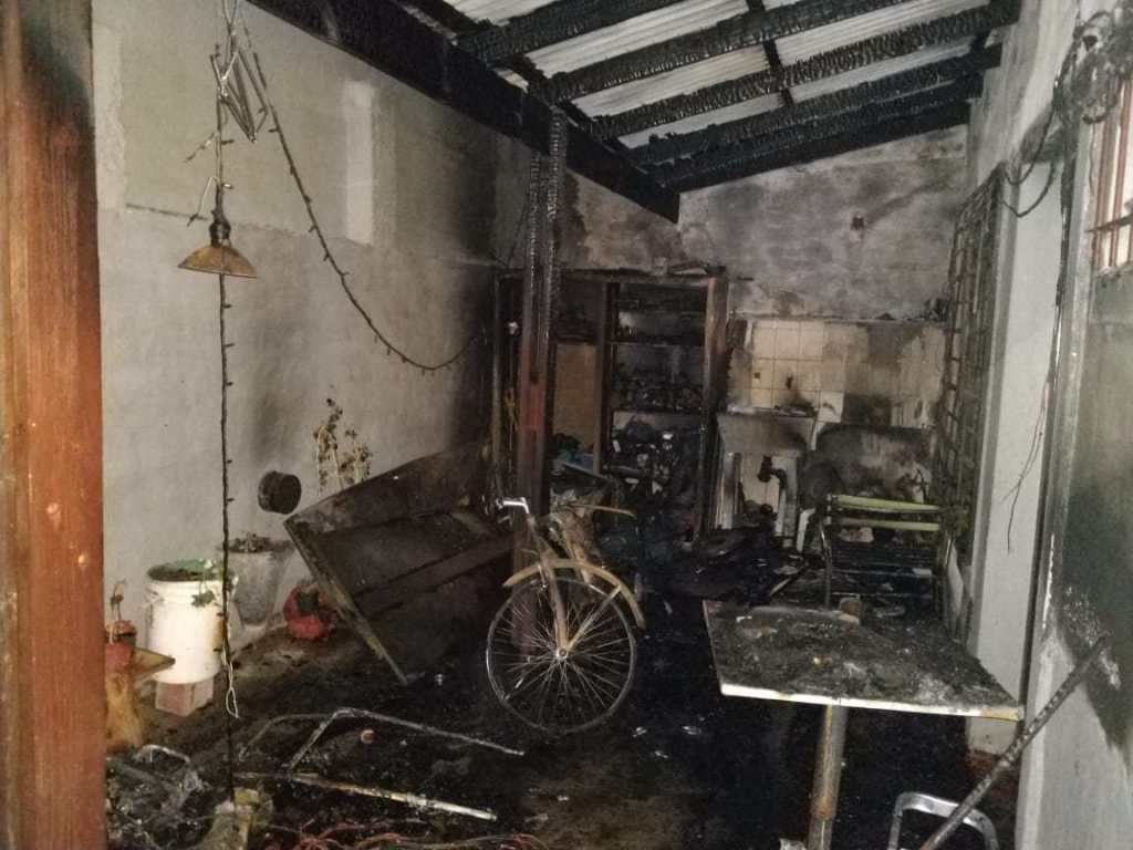 #SantaRosa | Incendio en un departamento de Villa Alonso