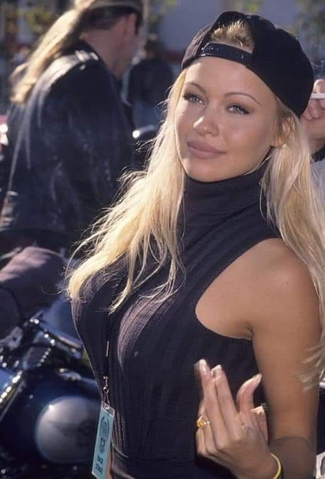 Happy Birthday PAMELA ANDERSON!! (1st JULY 1967)