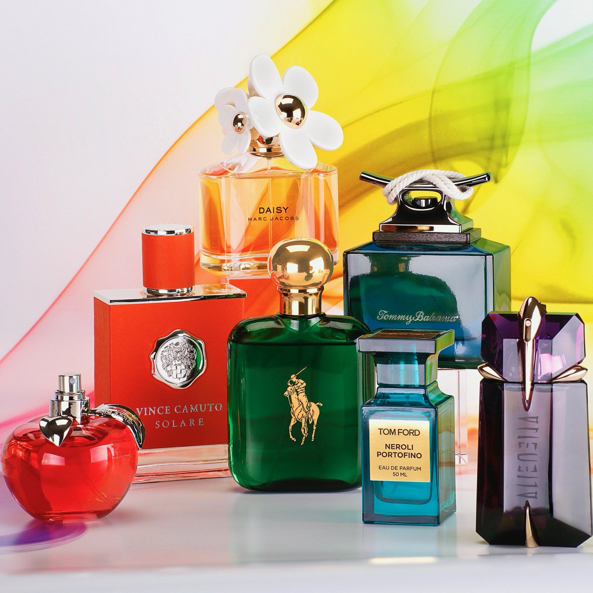 All for love and love for all 🌈 #PRIDE #Perfumania #DestinationFragrance