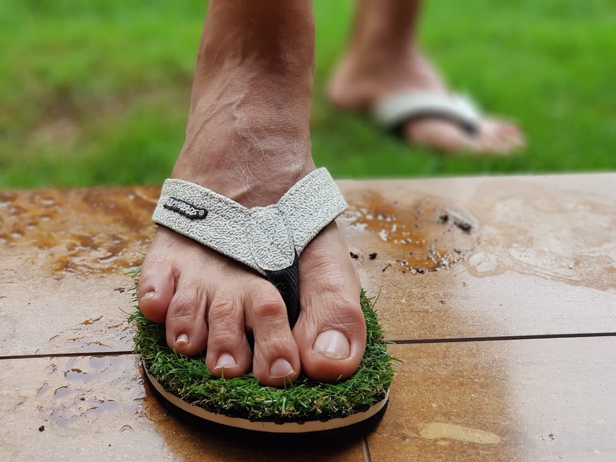 This is genius! Now I can walk on grass all the time. Got this pair from Solethreads. My best wishes to the folks at Solethreads, Sumant and Gaurav. They surely make amazing flipflops. #solethreads #walkongrass #greatidea #beachfashion #naturelovers #kickstarter