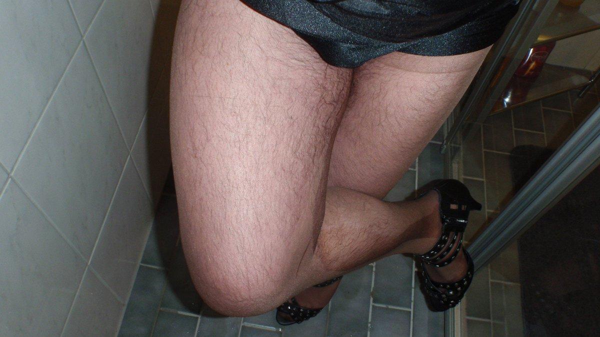 Must Pantyhose peeing.