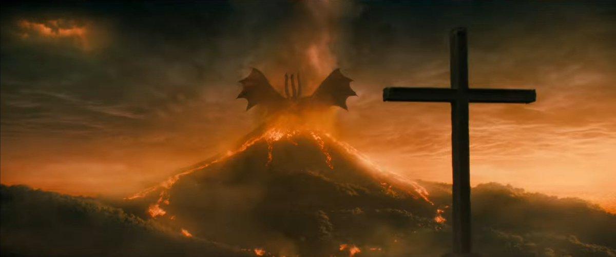 "Kong During ""Godzilla KOTM"" @Mike_Dougherty #怪獣 #大怪獣 #ゴジラ #キングギドラ #キングコング #kaiju #daikaiju #gojira #godzilla #kingugidora #kingghidorah #kongu #kong #kingukongu #kingkong #skullisland"