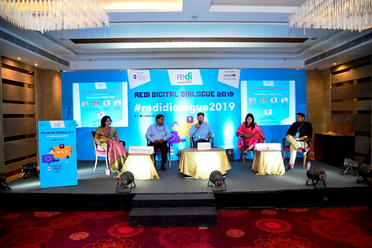 Teach kids to navigate social media, experts at ReDi Digital Dialogue