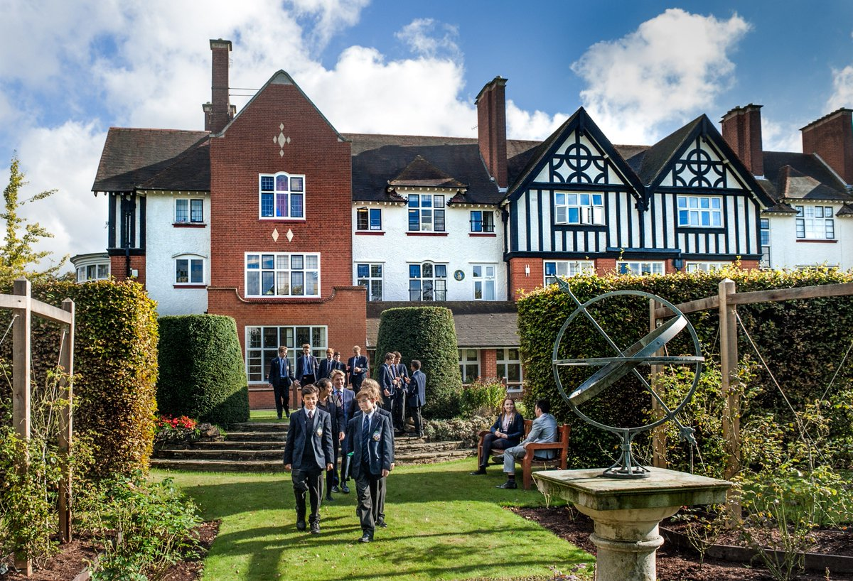 Excited to announce that Ripley Court have agreed to merge into @ReedsSchool! Sharing a philosophy of education focussed on developing children within a nurturing environment, this is a natural extension of an already strong relationship. Read more http://www.ripleycourt.co.uk/ripley-court-merges-into-reeds …