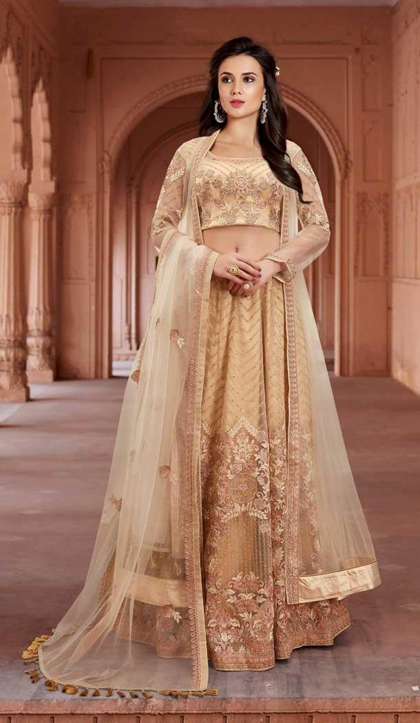 38cef07272 Follow @Heenastyle #gown #designerdress #longgown #HeenaStyle #salwarkameez  #suit #indian #pakistani #fashionpic.twitter.com/NgvdKHRfiA