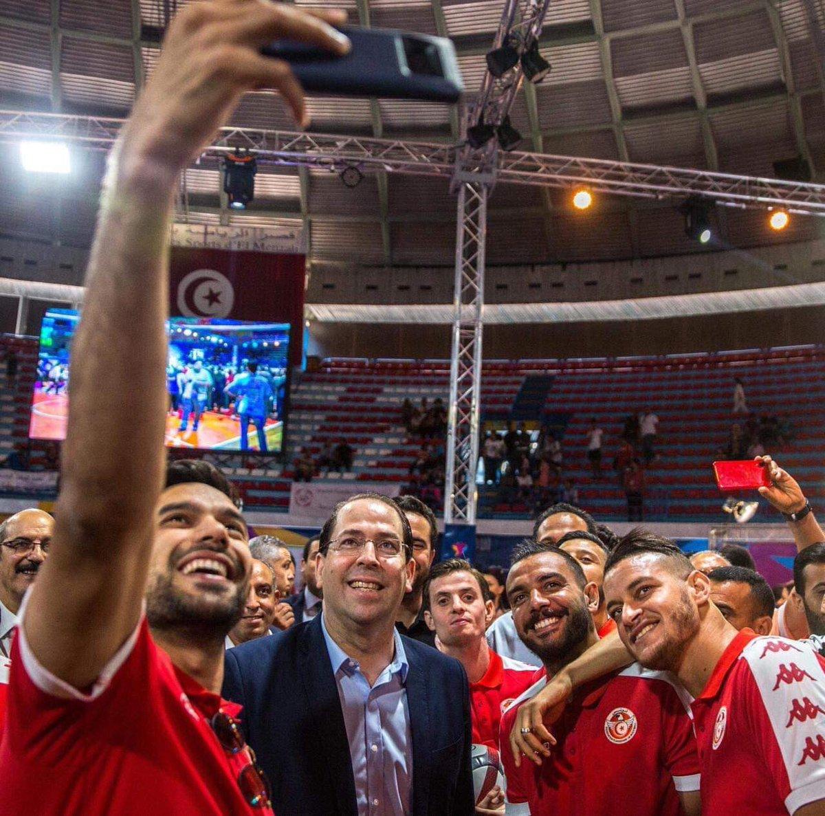 مبروك لتونس تاهل المنتخب  الوطني للدور ربع النهائي لكاس افريقيا للامم  لكرة القدم 🇹🇳🇹🇳🇹🇳 https://t.co/RXC5cVdDmU