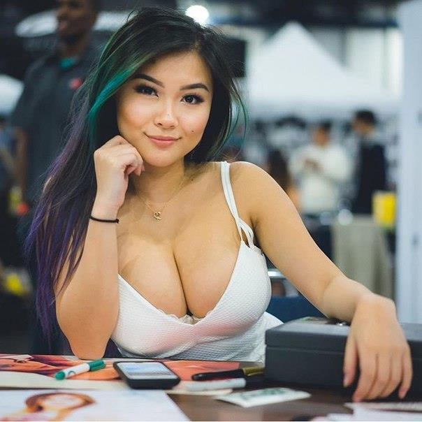 Boobs or butts