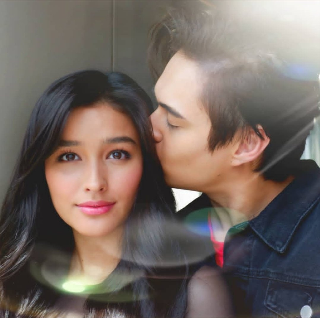 A kiss for his rose..strengthens d magic of love and grows deeper everyday..he stayed on his side when she needed him most..for he cant allow her petals to fall..coz he knew he s her sunshine n she needs d warmth of his care to bring  magnificent color to her petals #LabanLizQuen <br>http://pic.twitter.com/XU0kA3gEjb