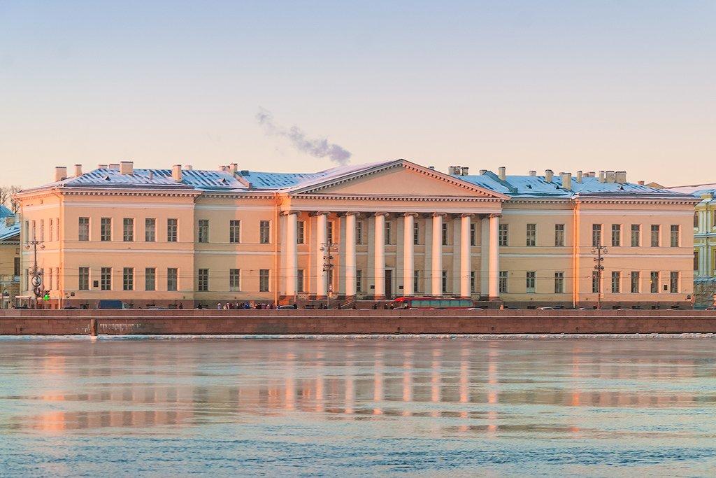 санкт петербургская академия фотографии льюис активен