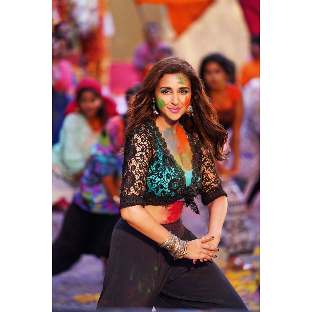 Latest still from jabariya jodi @parineetichopra   #bollywoodhotbeauty #jabariyajodi #jabariyajoditrailer #parineetichopra #parineetichoprahot #parineeti  #bollywoodactress #bollwoodcelebs #bollywoodsexy #bollywoodactor #siddharthmalhotra #bollywoodbeauty #hottie#hotbeautiespic.twitter.com/LqRFutP9IL
