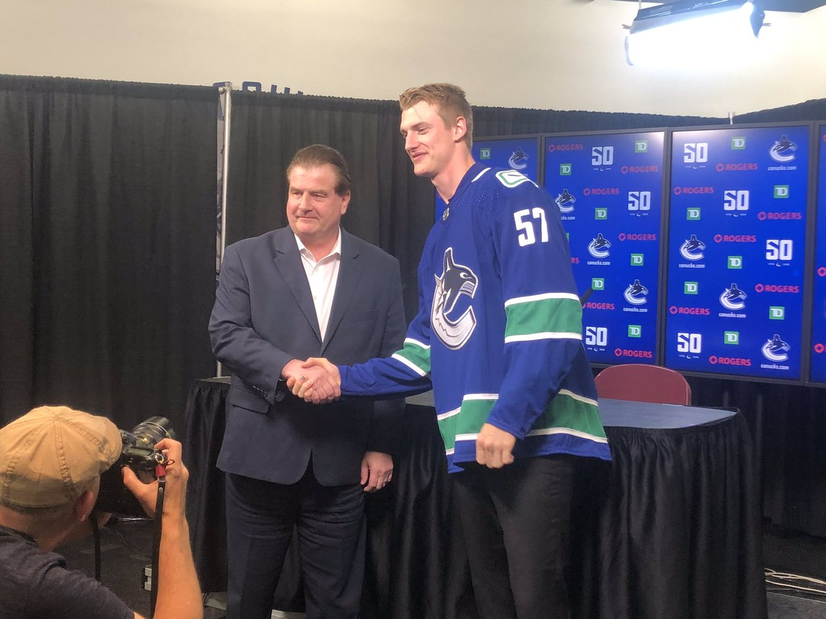 Tyler Myers makes his introduction to the Vancouver media, says he wanted a good fit for his family and felt this was it. More at 6 on @CTVVancouver https://t.co/Sq2cKqEutx