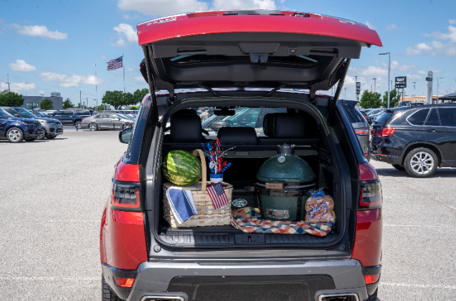 Getting ready for #IndependenceDay! Pack everything you need and more in your #RangeRover  #LandRoverOKC https://t.co/rsYI6XLuPa