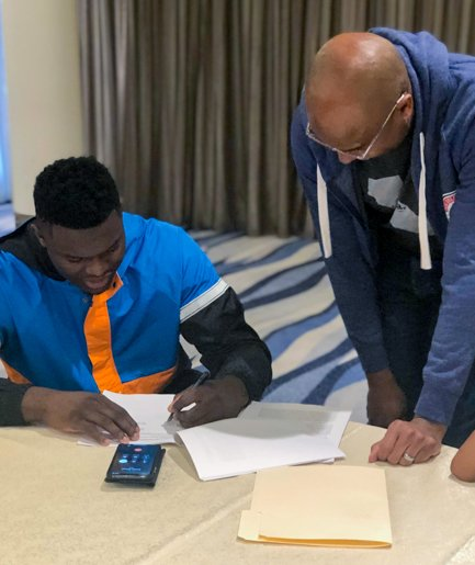 Done Deal!   #Pelicans sign No. 1 pick @ZionWilliamson!  https://www.nba.com/pelicans/pelicans-sign-zion-williamson …