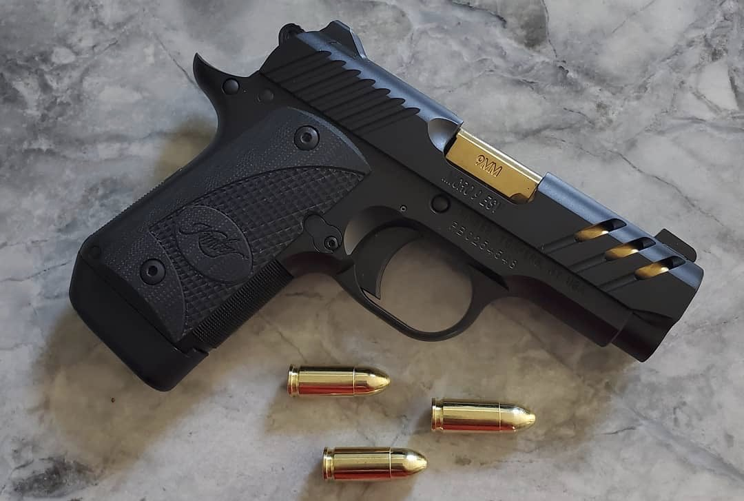 Are you a Micro 9 ESV fan? Black or Gray? #mondaymicros Tweet added