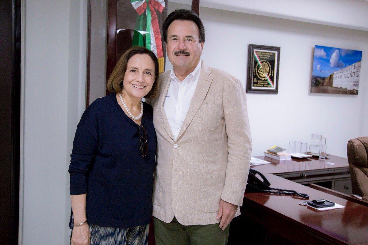 Agradezco a la primera actriz, Diana Bracho, por su visita a nuestra ciudad. Se sumará a la celebración por el 130 Aniversario de Tijuana, con un homenaje a Enrique Bordes Mangel, personaje ilustre de esta tierra y abuelo de la artista. https://t.co/LJt15gCm8n