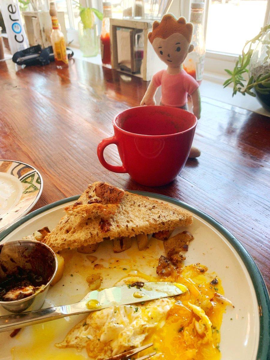 @TaraMartinEDU Breakfast with my bud! #zombedt #whereiszip I ate my way around Philly! #iste19
