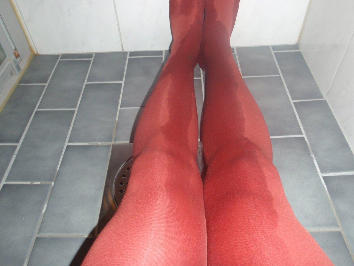 Pantyhose pee in shower, M like it