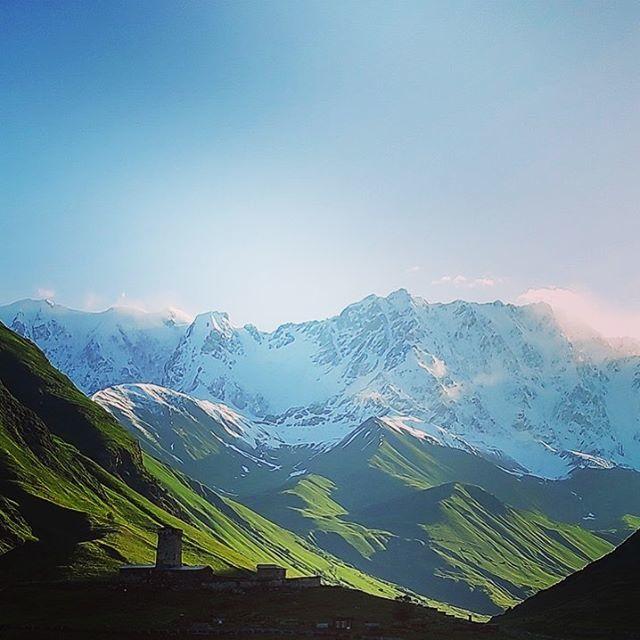 Good morning from Ushguli, Svaneti  Photo Credit: Archil Rekhviashvili #svaneti #ushguli #morninginmountains #georgianmountains #georgia#goingtogeorgia https://ift.tt/2LxQtzupic.twitter.com/YxgBBSTKiY