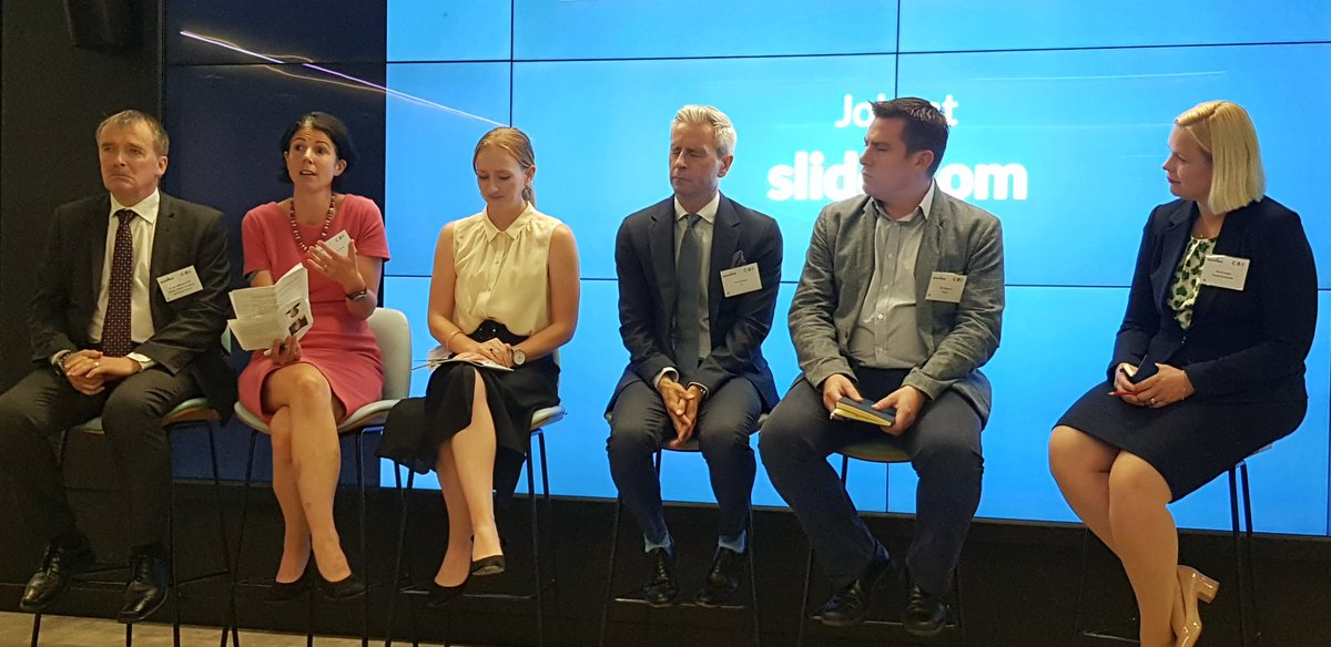 A fantastic panel joins us for an interactive Q&A. @JLL_Guy kicks off the discussion #LDNClimateAction #CBI