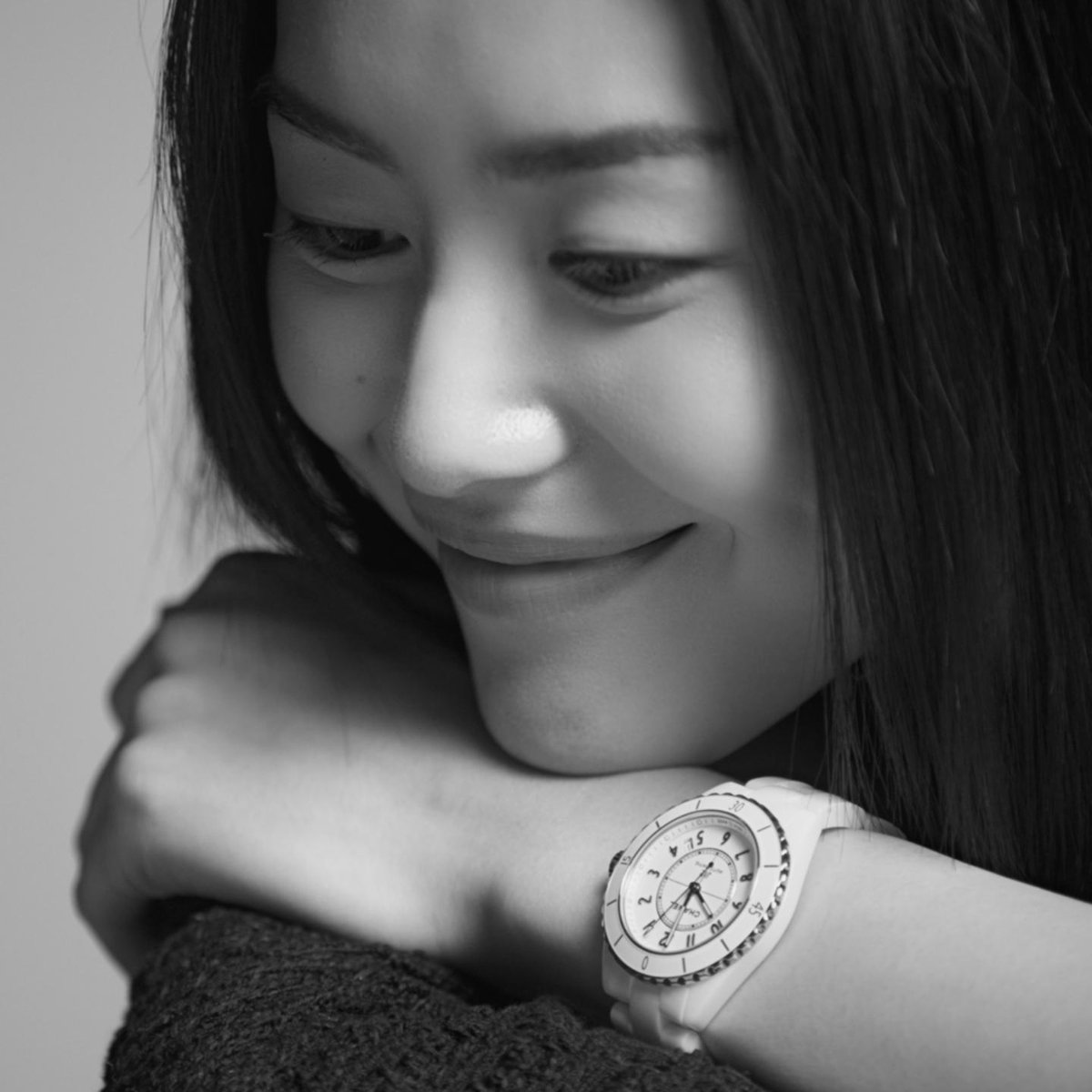 THE NEW J12. IT'S ALL ABOUT SECONDS.15 seconds with Liu Wen, including a decisive one.Discover more on http://chanel.com/-LiuWen_j12 #TheNewJ12 #CHANELWatches #ItsAllAboutSeconds