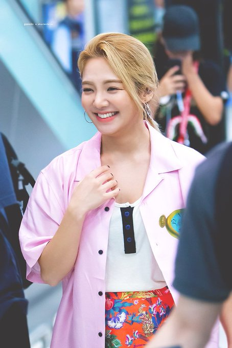 [PHOTO] 190630 Hyoyeon - Airport D-e3F4pUcAAJllX?format=jpg&name=small