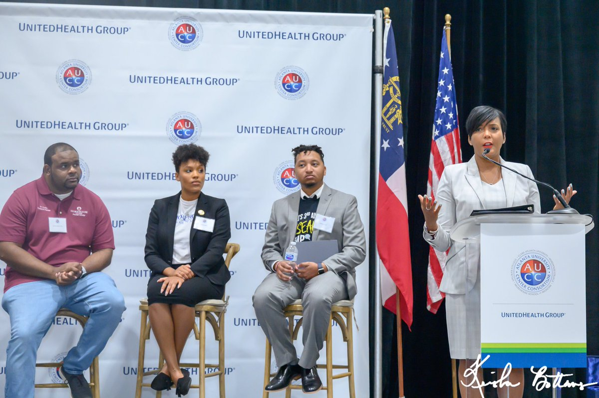 Mayor @KeishaBottoms attends the @AUCConsortium's Data Science Initiative launch. @UnitedHealthGrp's investment will fund technical classes for students who want to specialize in data science or learn data analysis to give them a competitive edge when they enter the job market.