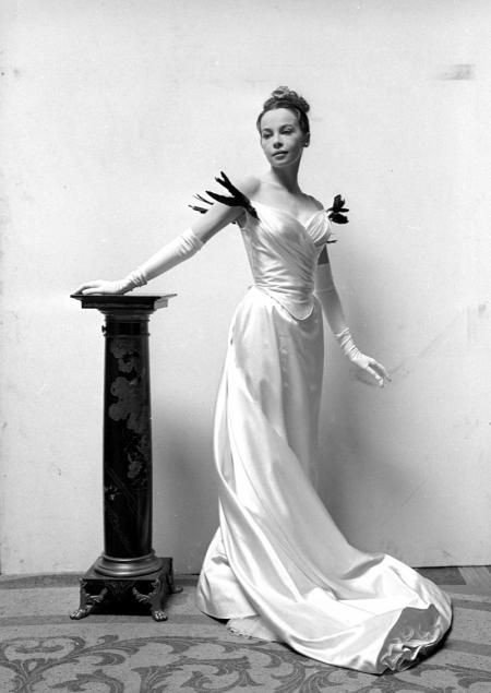 Leslie Caron as Gigi,1958 Happy Birthday