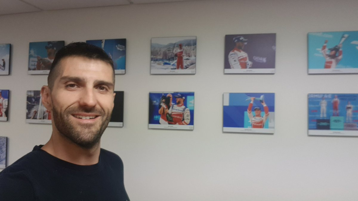 Here it is our champ wall at @MahindraRacing . We have some room to bring a new photo from #NYC #FormulaE #ABBFormulaE https://t.co/2DyEyMxbSt