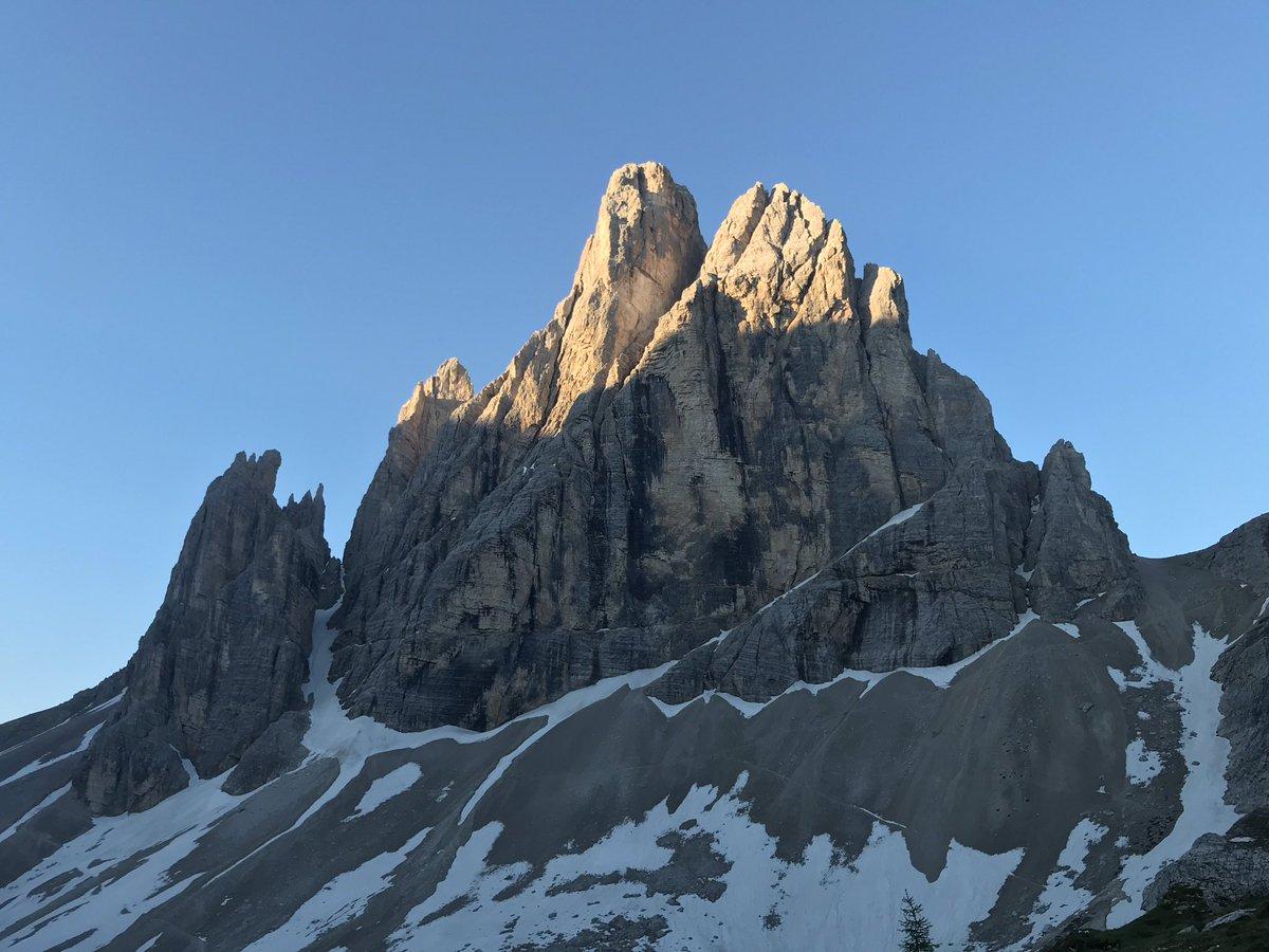 RT @DenisFalconieri: La Croda dei Toni dall'alba...