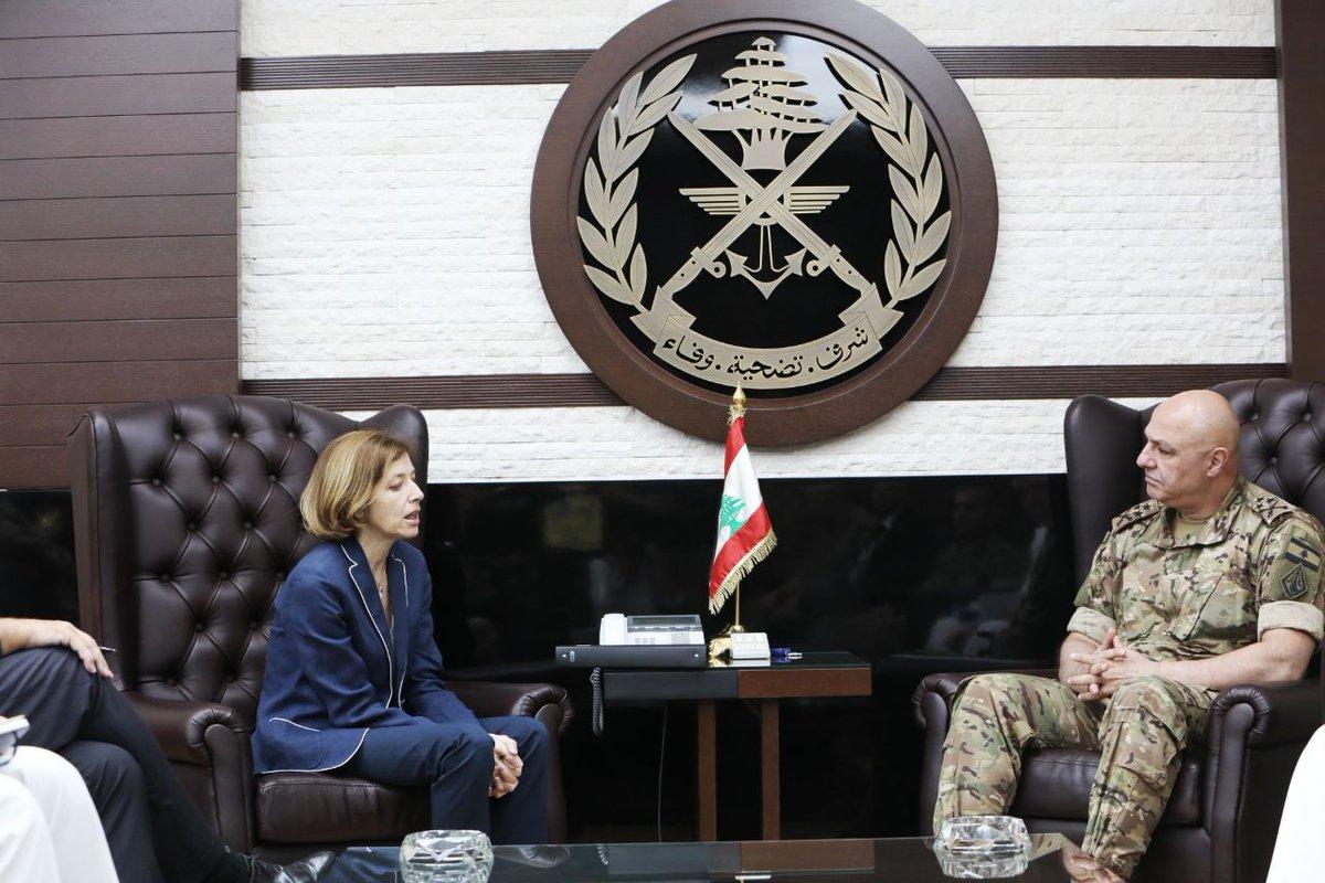 باريس وبيروت تتفقان على تحريك قرض فرنسي بقيمة 400 مليون يورو لدعم الجيش اللبناني D-ebx7aUIAAKhV_