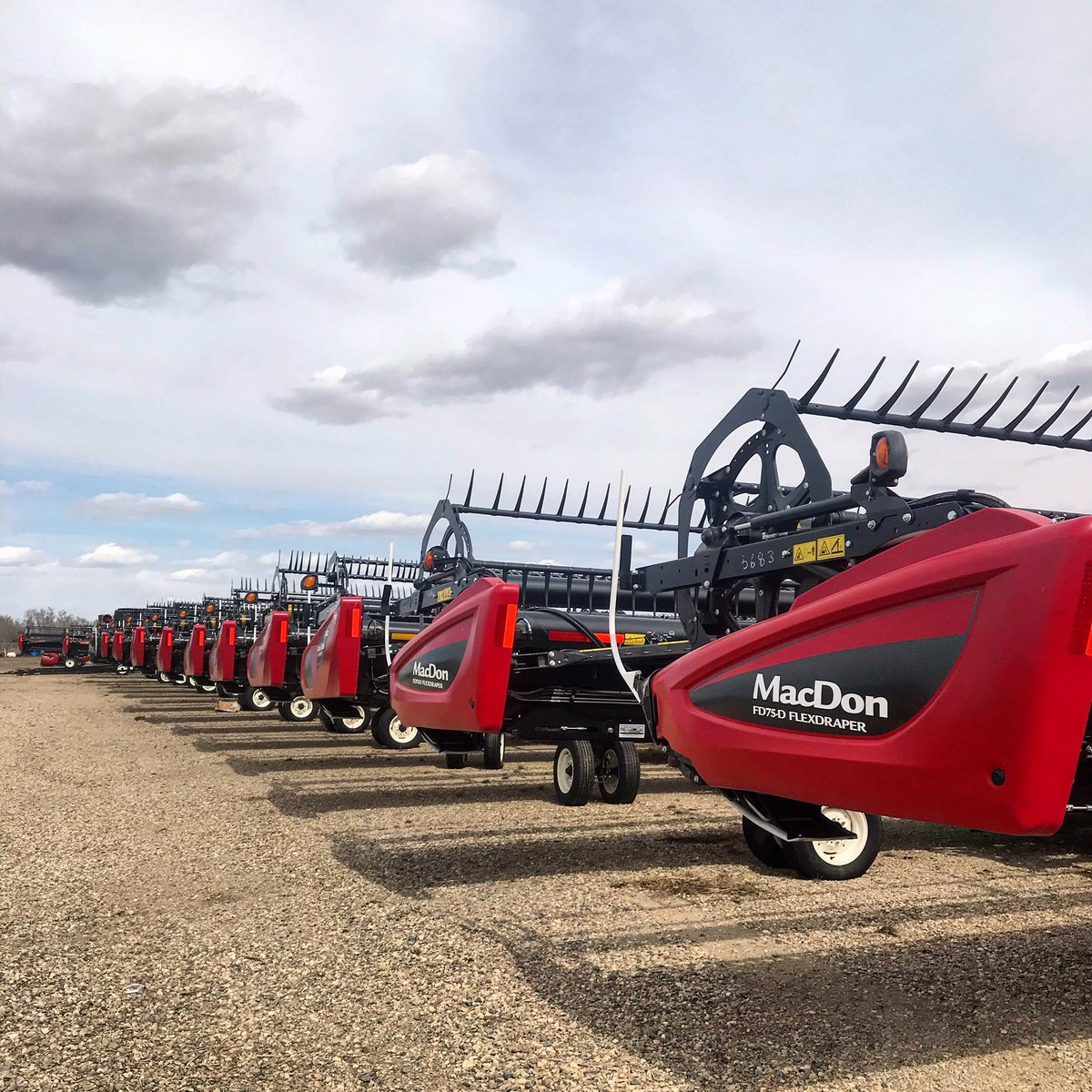 The Harvesting Specialist | MacDon Performance Parts