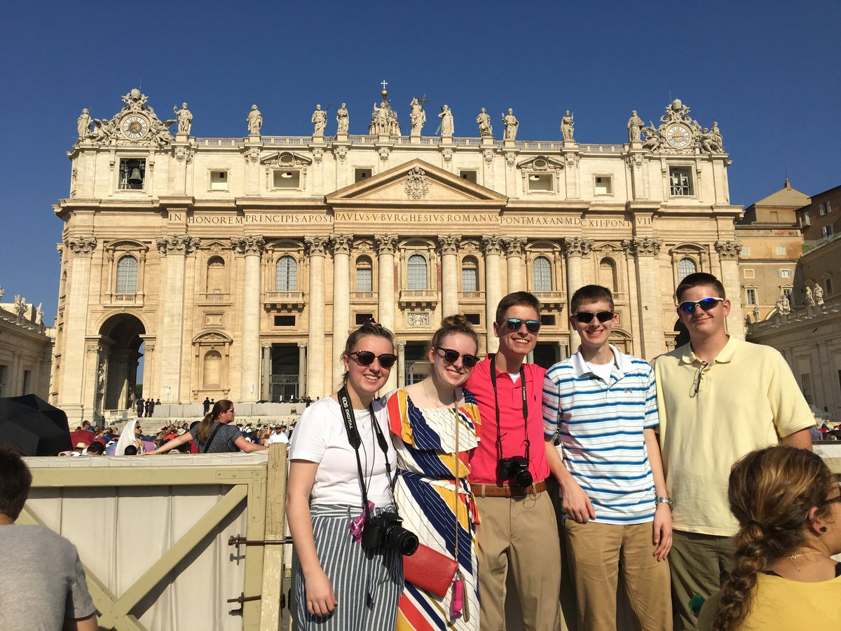 One final Rome trip update -- On Sunday, the Sacred Heart students, as well as the 150 other high school pilgrims, returned home from a unforgettable trip to Rome. #mySHS