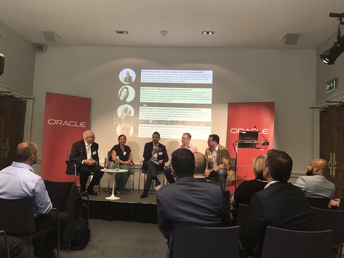 Time for the expert panel facilitated by our very own @yazad ! Really looking forward to some insight from this fantastic group of individuals on the future of work #innovation #government #oraclecloud