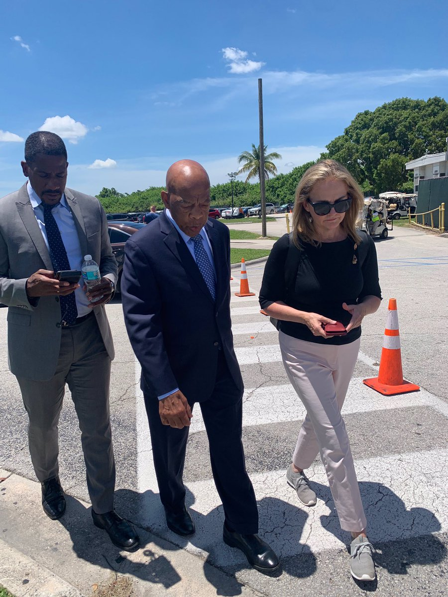 Heading into the Homestead facility with Congressional colleagues led by @RepWilson. We are here to bear witness to the truth — @repjohnlewis, @RepJahanaHayes, @BennieGThompson, @RepLawrence, @RepShalala, @RepKClark. #DemsAtTheBorder #FamiliesBelongTogether