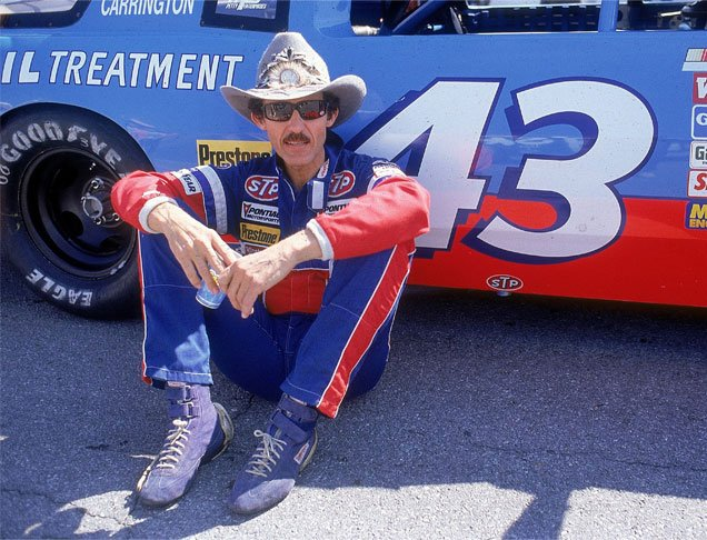 Happy birthday to the King of Richard Petty. 7x champion with 200 Cup series wins.