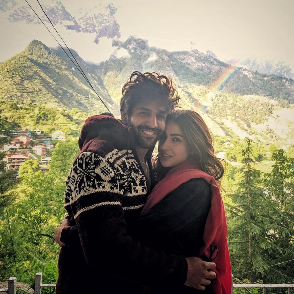 @saraalikhan95 and @kartikaaryan wrap up imtiaz ali's next with million memories   #saraalikhan #Sara #KartikAryan #kartikaaryan #bollywoodhotbeauty #bollywoodactress #bollywoodfashion #bollywoodhotbeauty #bollwoodcelebs #bollywoodsexy #bollywoodactor #BollywoodStarspic.twitter.com/VwDkQRNncC