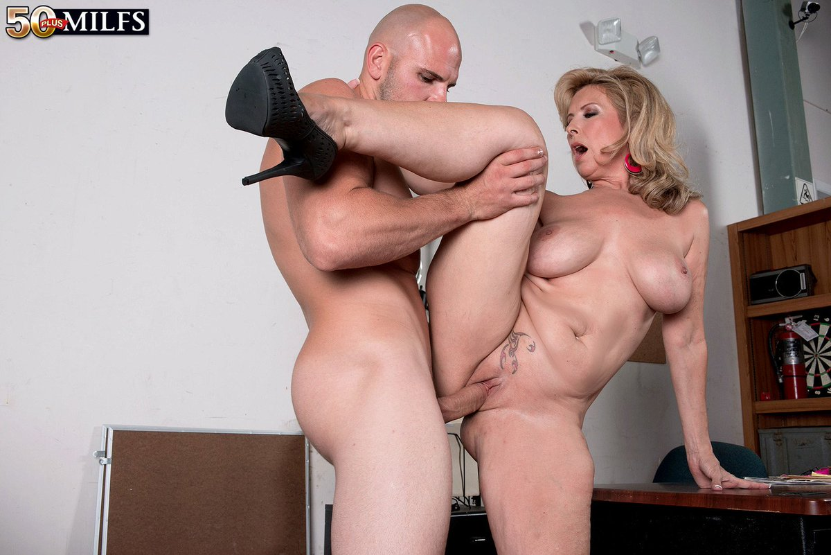 Hot milf in stunning action