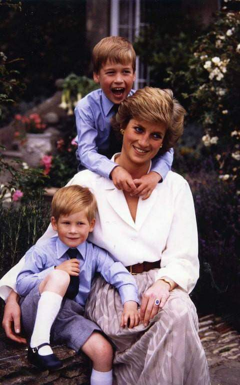 Happy heavenly birthday  Princess Diana. May you rest in eternal peace.