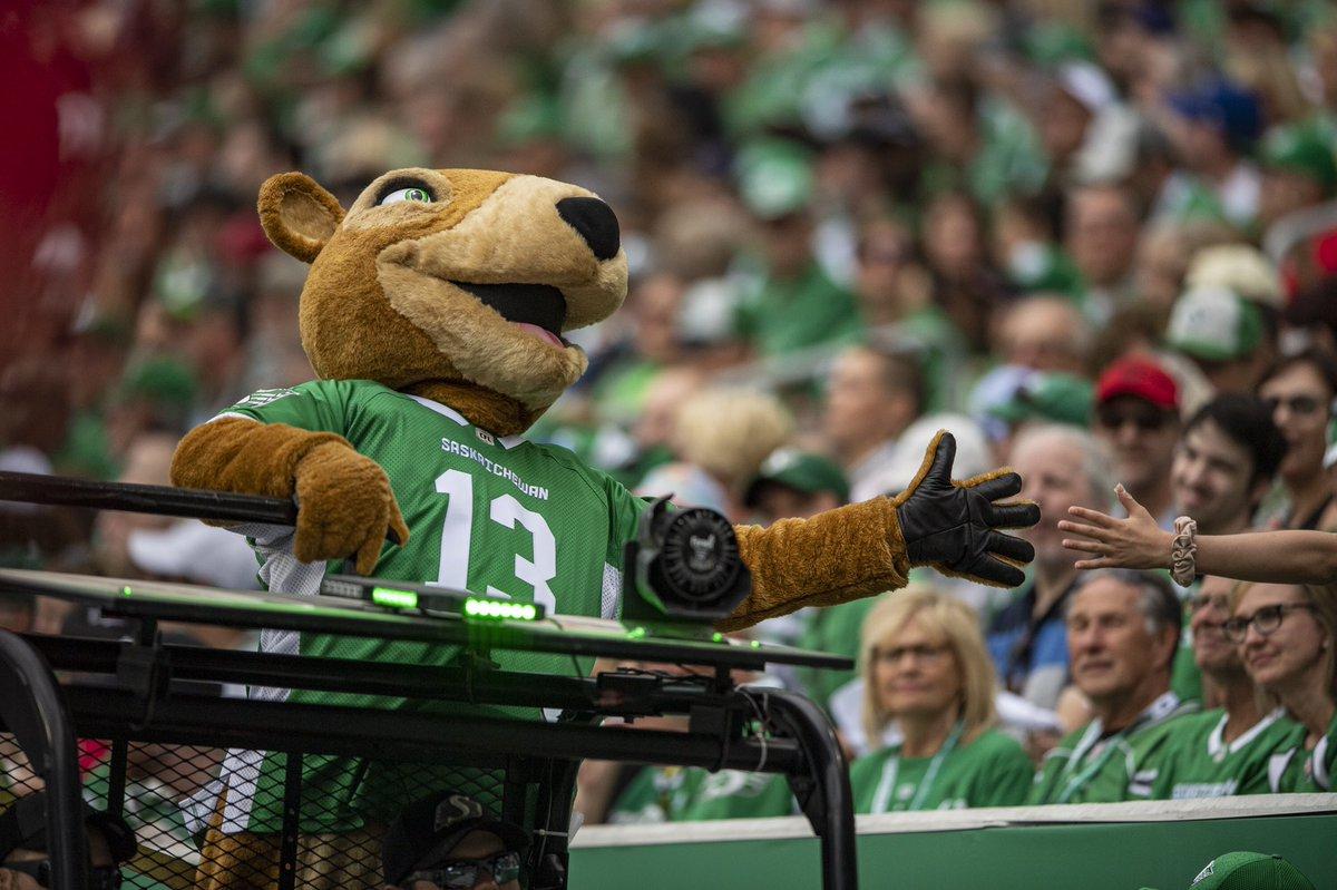 """Résultat de recherche d'images pour """"Saskatchewan roughriders mascot tractor"""""""