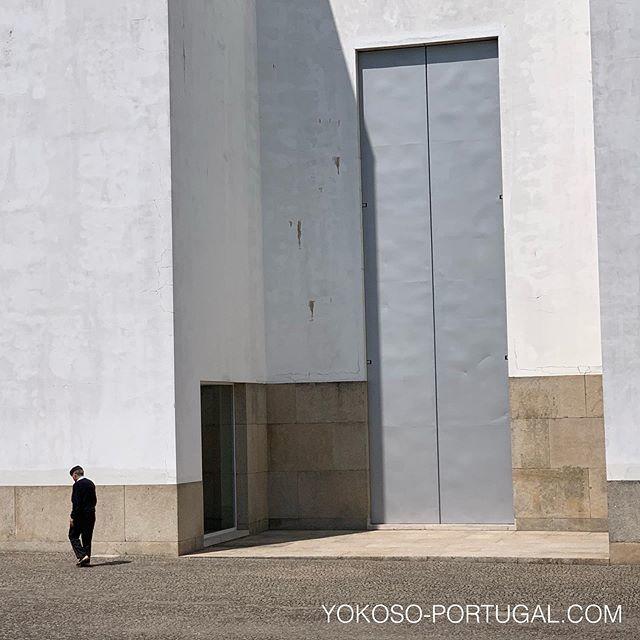 test ツイッターメディア - ポルトから電車で1時間ほどの街、マルコ・デ・カナベセスにある、シザ設計のサンタ・マリア教会。 #ポルトガル #シザ https://t.co/Hi0B42q6AI