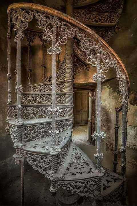RT @Arting_2D: 나선 계단 #나선 #계단 #인테리어 #디자인 #자료 #아트인지 #Spiral #Staircase #Stairs #Interior #Design #Reference #ArtInG https://t.co/8MLkqnt95X